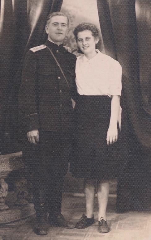 1. Kommandant Oberleutnant Dimitri und Nina
