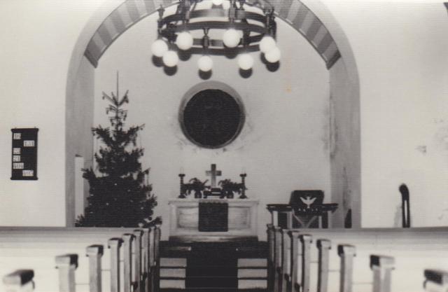Altarraum mit Kirchenschiff
