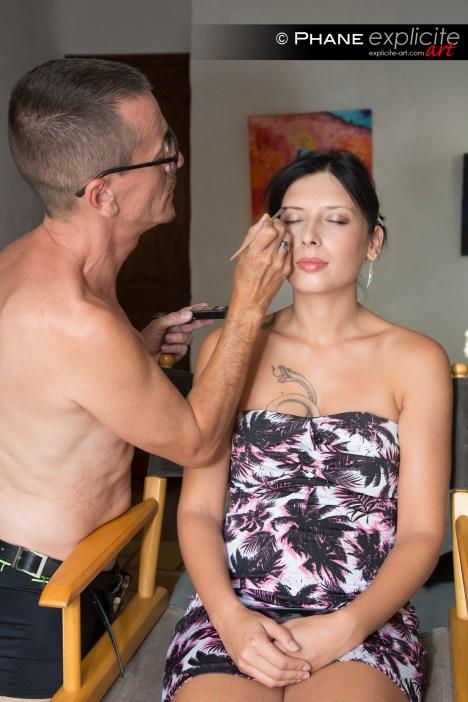 Amel au maquillage. SolstiX
