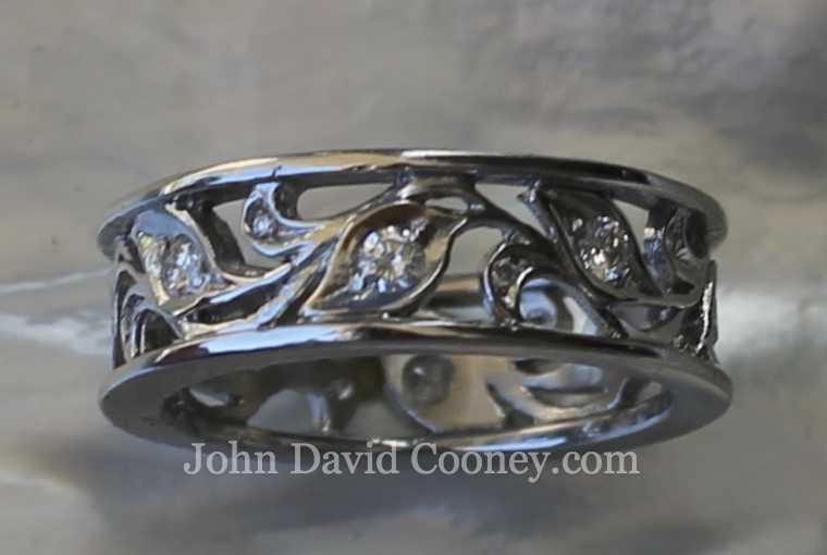 Leaf pattern platinum diamond ring