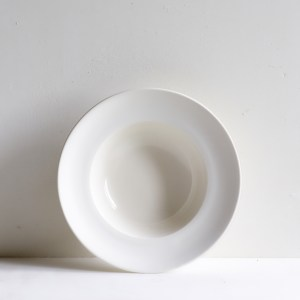 Classical Porcelain Deep Bowl with Unglazed Rim
