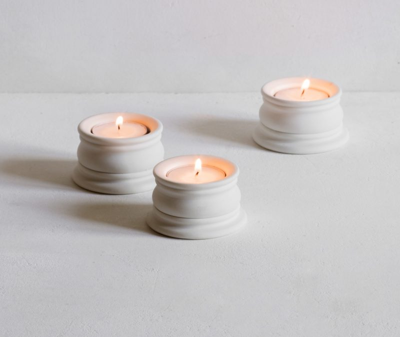 Classical tealight holder