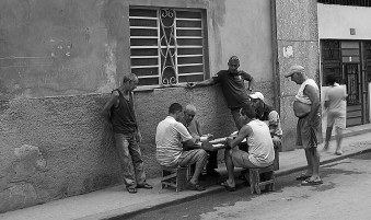 havana card game b & w