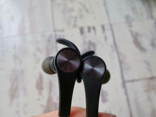 Soundpeats Q12 Headphones magnets