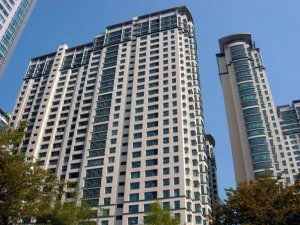Bundang_Hanyang_Apartment_Building