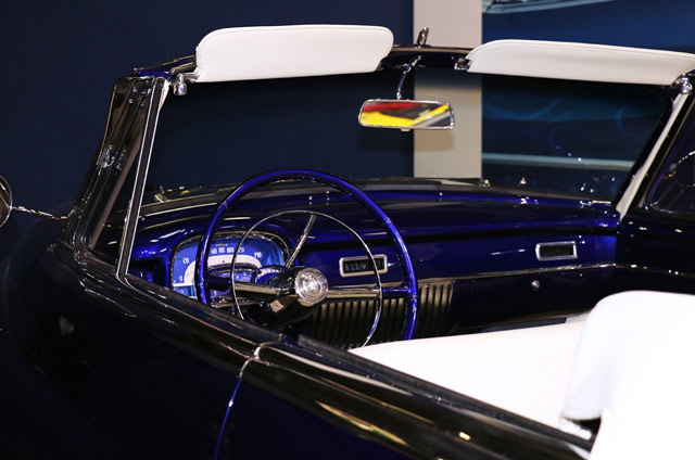 johnny-hallyday-retromobile-2017-Cadillac-serie-62-cabriolet
