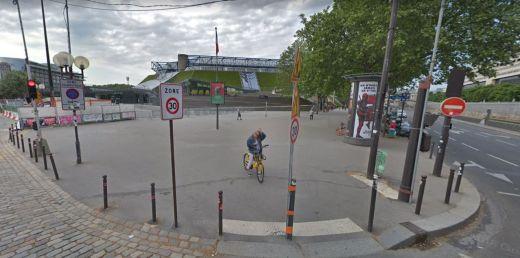 Esplanade Johnny Hallyday Paris Bercy