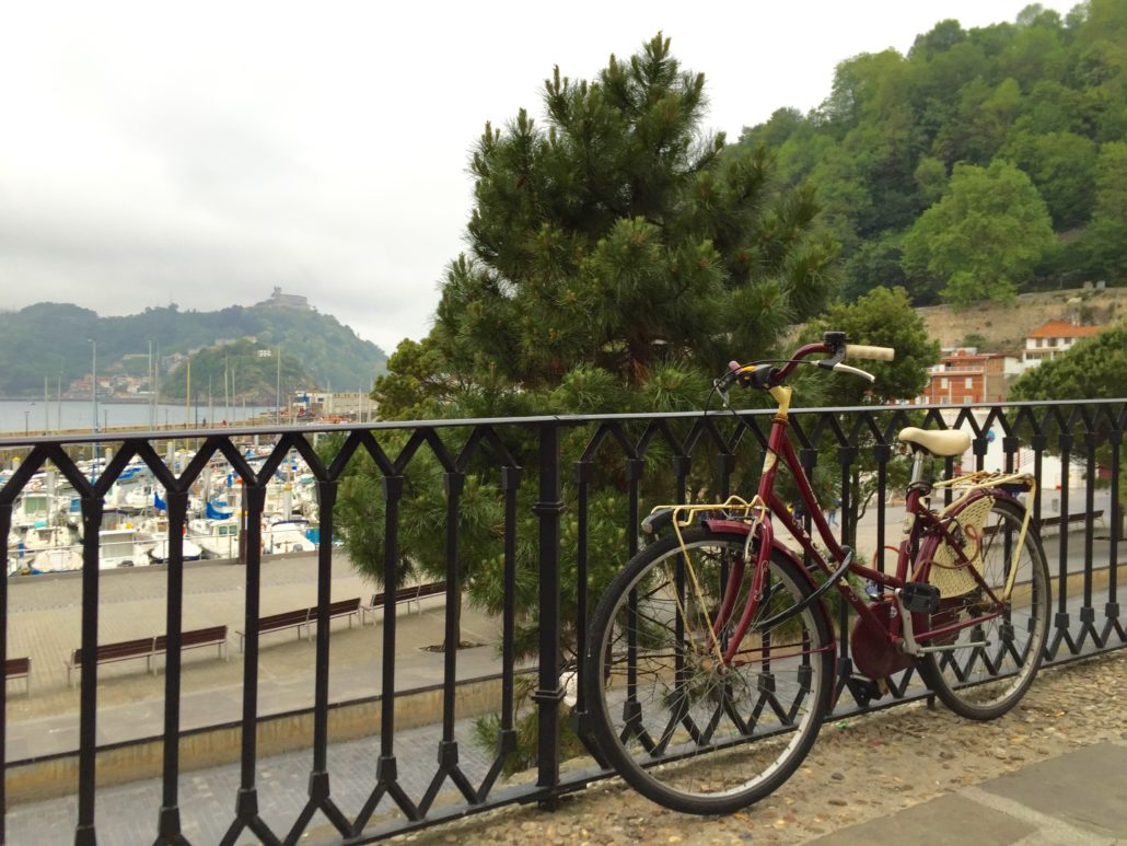 Bike beside Playa de la Concha in San Sebastián