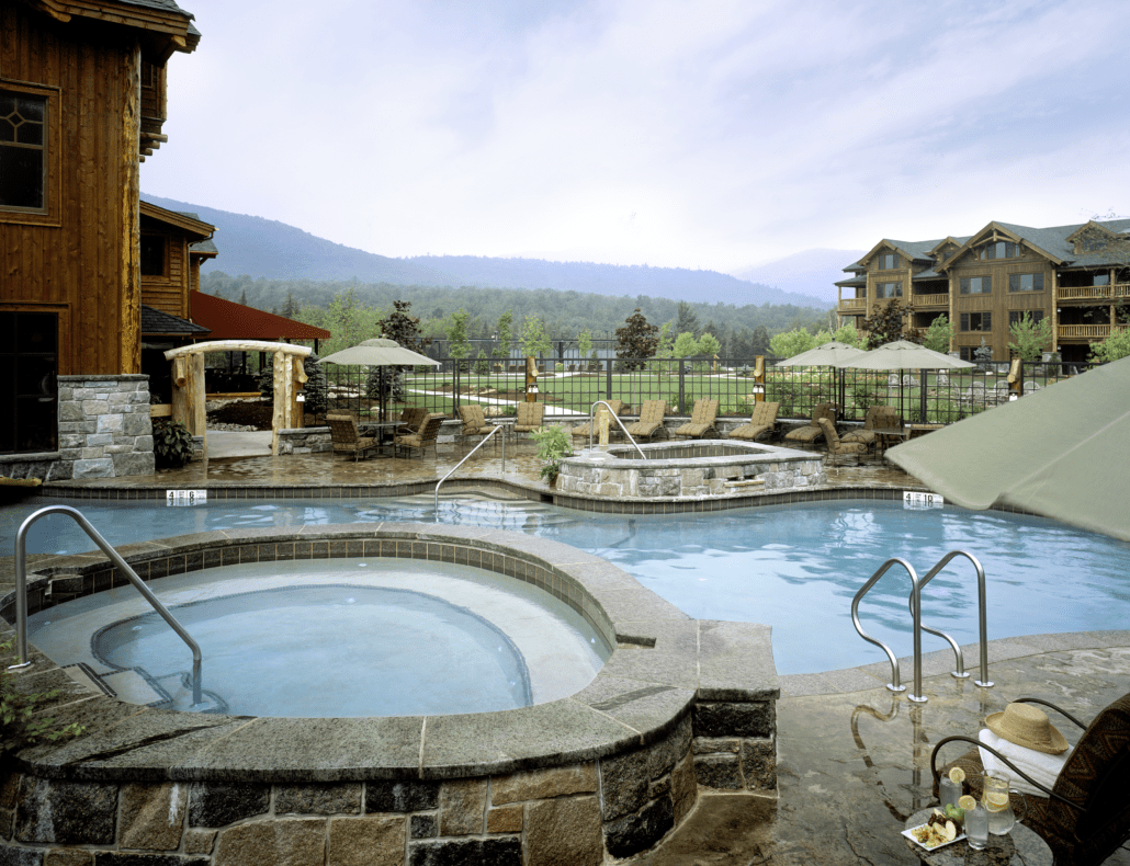 Heated outdoor pools (Credit: Whiteface Lodge)