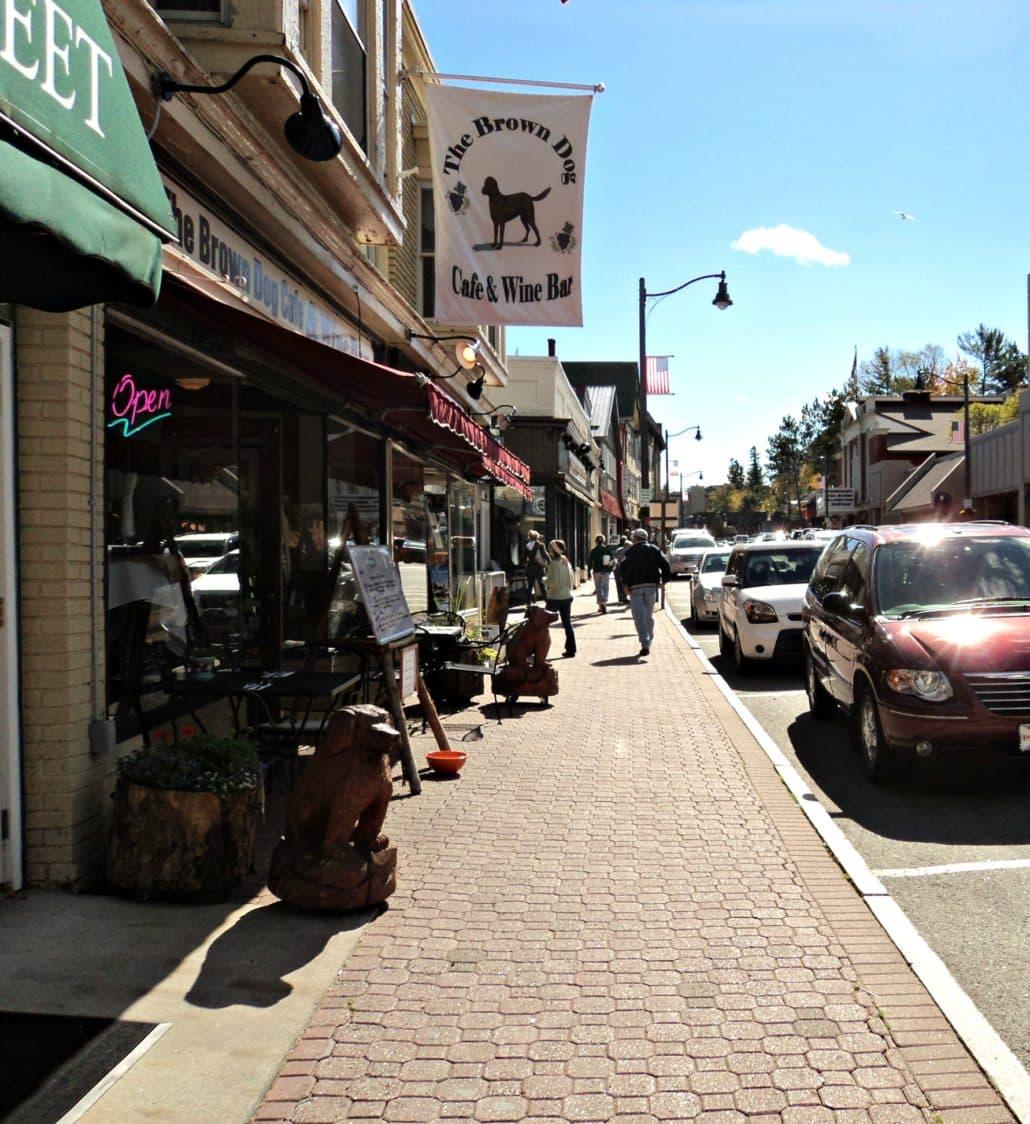 Main Street's Brown Dog Café (Credit: LakePlacid.com)