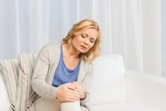 inside of knee pain sitting