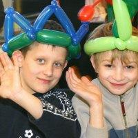 restaurant-balloon-hats