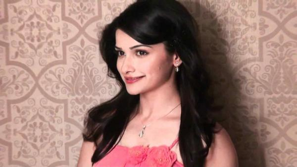 Prachi Desai HD Wallpapers