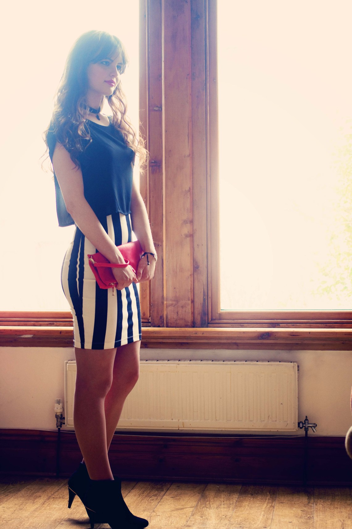 Black and white stripe bodycon dress