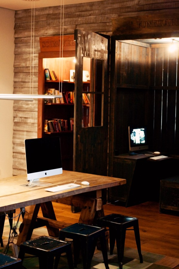 hotel-with-imacs