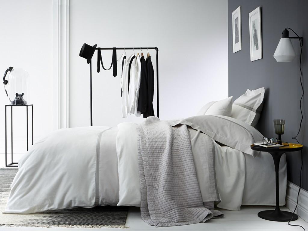 une chambre a la deco grise joli place