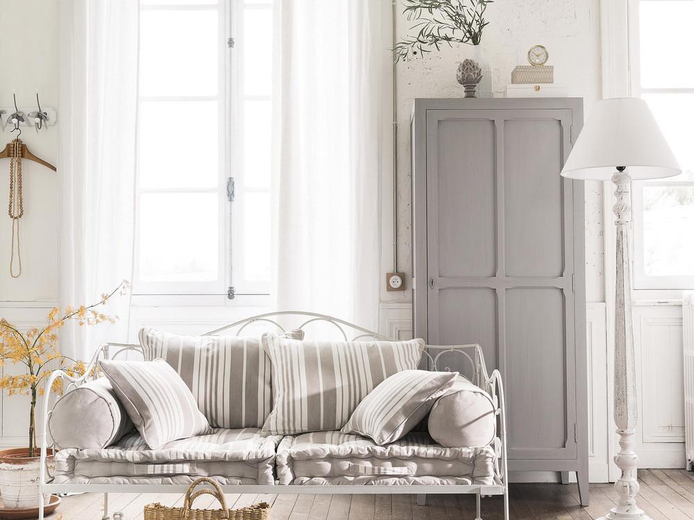 Larmoire Parisienne Un Classique Indmodable Joli Place