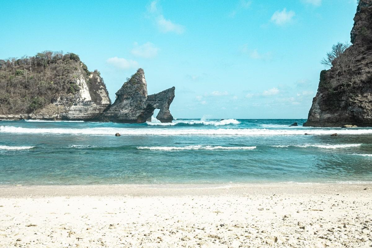 Bali : Nusa Penida, l'île des merveilles - Atuh Beach | joliscarnets.net