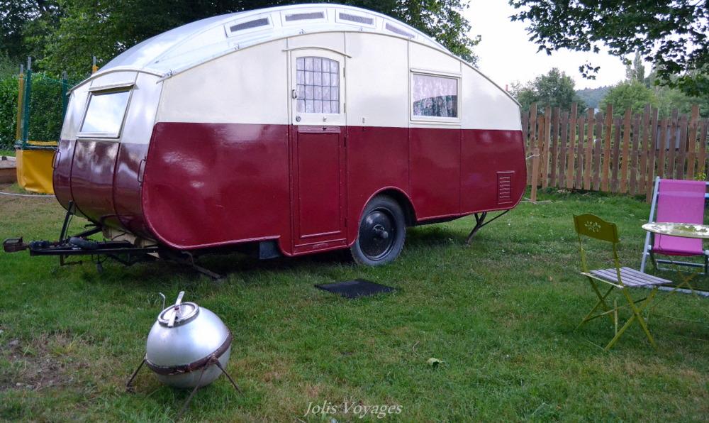 j 39 ai dormi dans une caravane vintage des voyages et du glaz. Black Bedroom Furniture Sets. Home Design Ideas