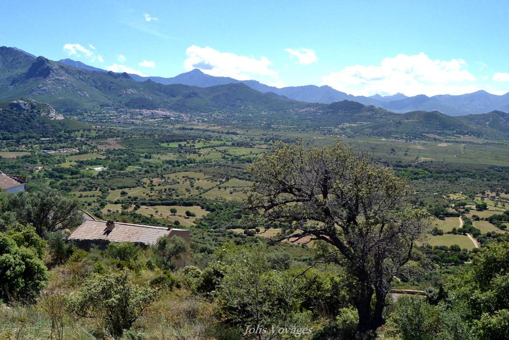 10 idees pour decouvrir la Haute Corse : Circuit des villages perchés de Balagne #Corse #Plage #France #Voyage