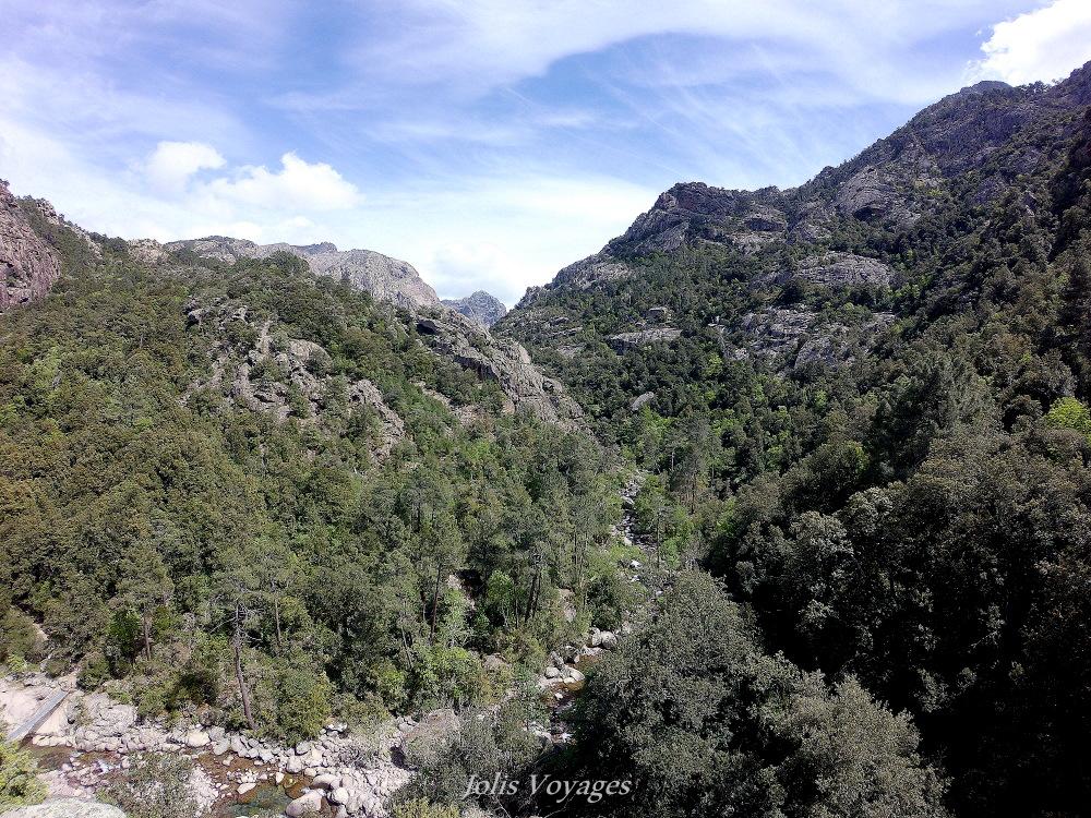 10 idees pour decouvrir la Haute Corse : Le cirque et la foret de Bonifatu #Corse #Plage #France #Voyage