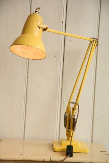 lampe à bras articulé jaune