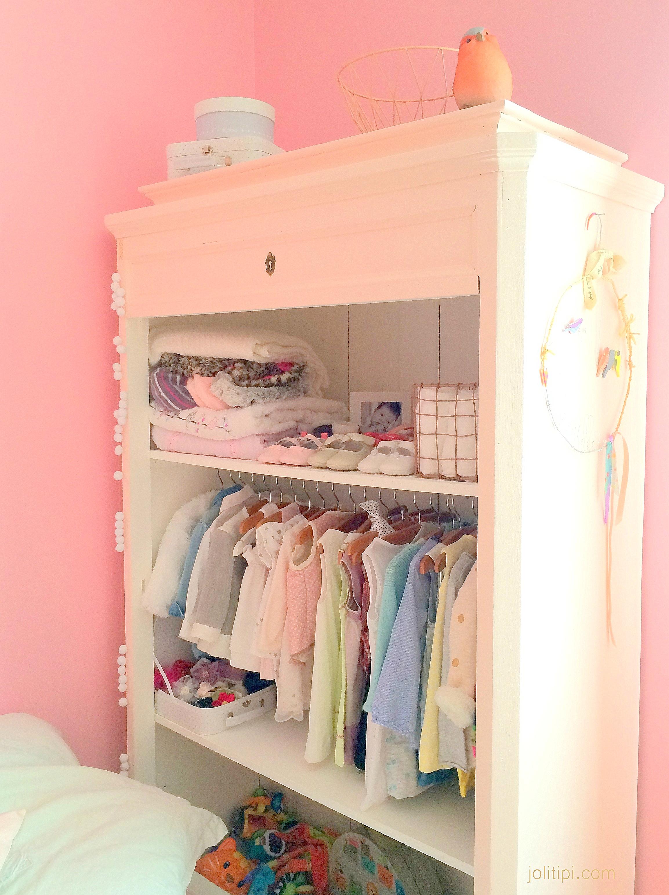 room tour la chambre b b de camille joli tipi. Black Bedroom Furniture Sets. Home Design Ideas