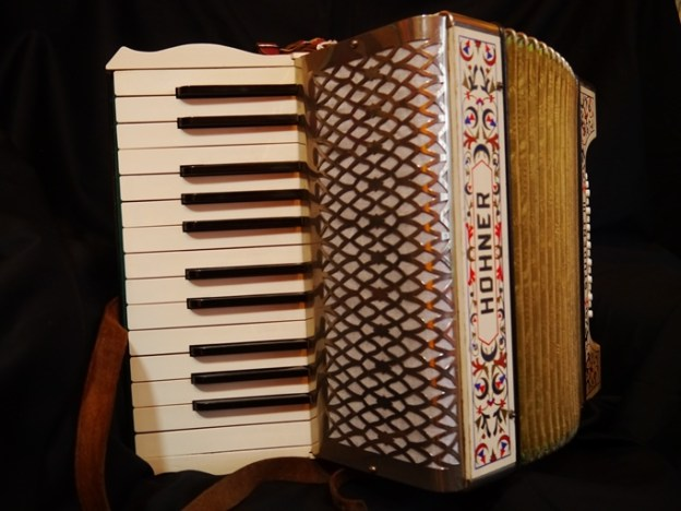 Hohner Student III (sold)