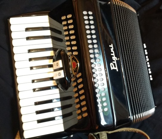 Pigini small piano accordion