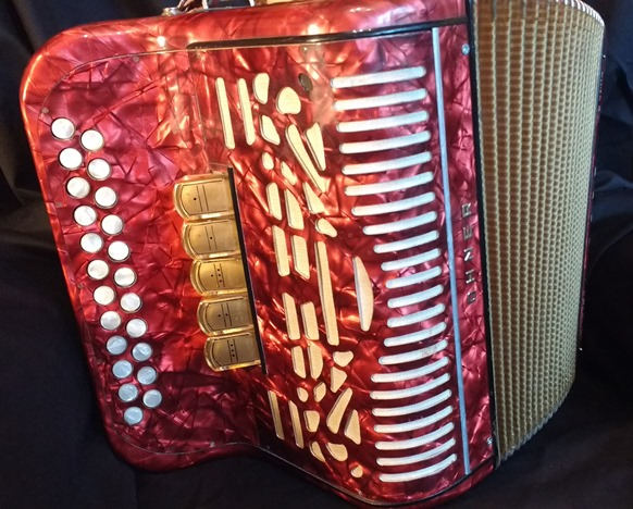 Hohner Amatona IV button accordion