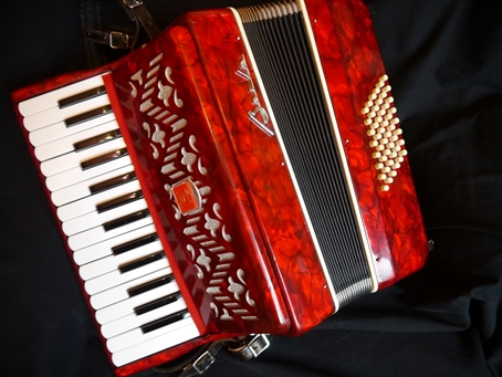 Baile 48 bass compact piano accordion