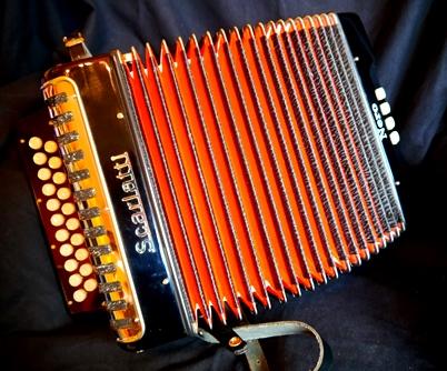 For sale Scarlatti Nero melodeon D/G – £450