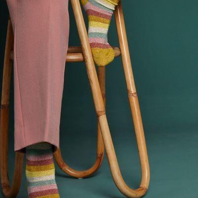 chaussettes en bambou jaune curry et rose