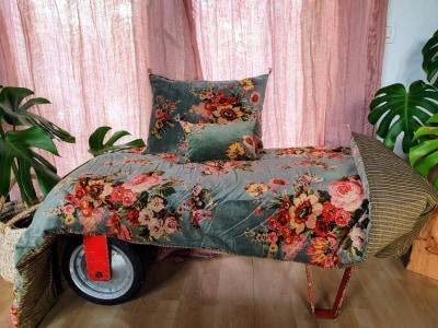 Bout de lit en velours et coton