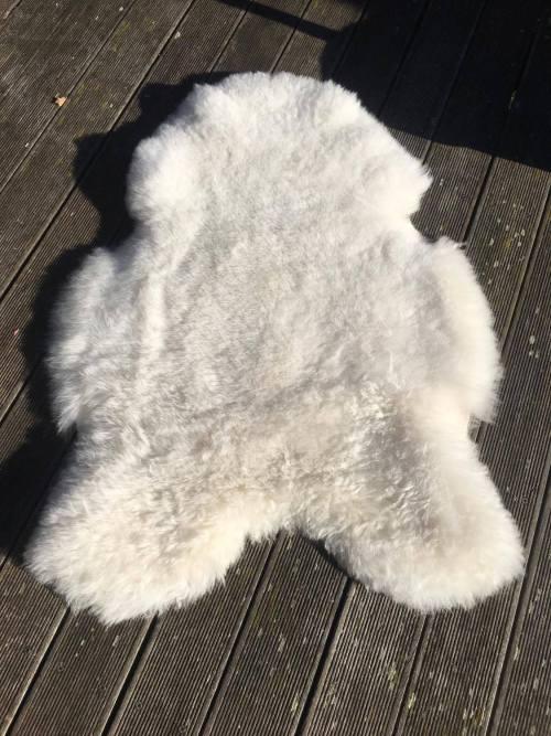tapis mouton blanc poils courts