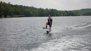 Tom on one ski!