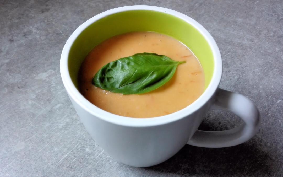Soupe de tomate origan basilic
