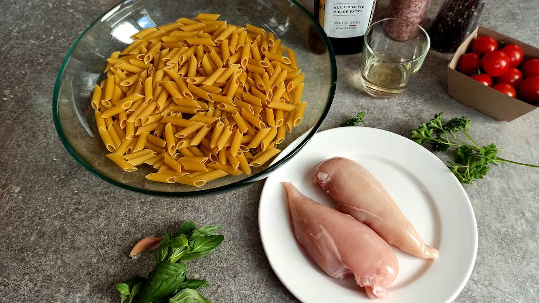 Les ingrédients des penne au poulet à l'italienne