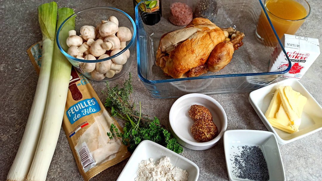 Les ingrédients de la tarte aux poulet et poireaux à la pâte filo
