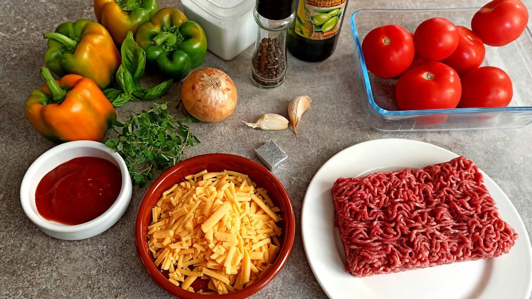 Les ingrédients des poivrons farcis au boeuf tomates et cheddar