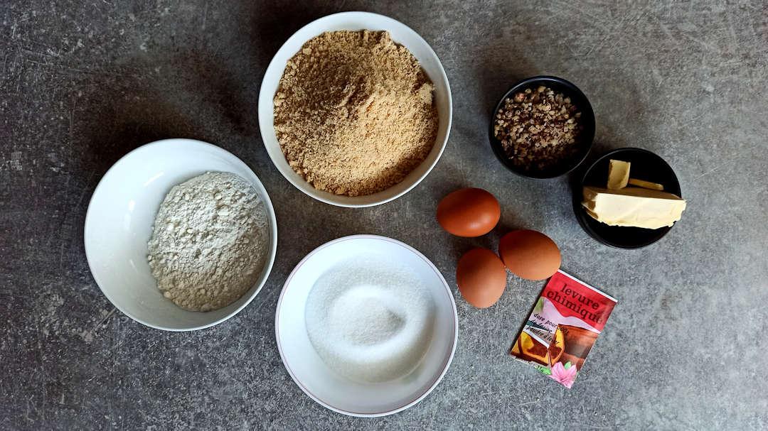 Les ingrédients de la torta di nocciole