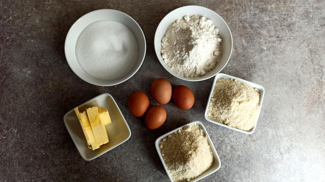 Les ingrédients des hélenettes aux amandes