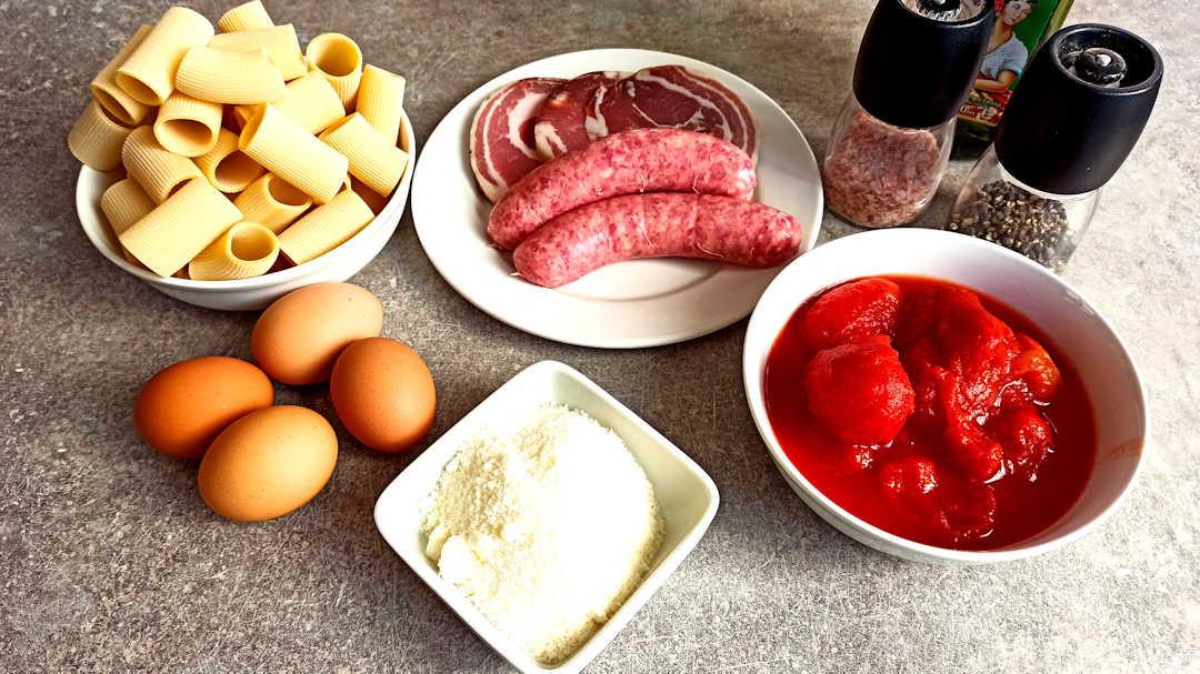 Les ingrédients de la pasta alla zozzona