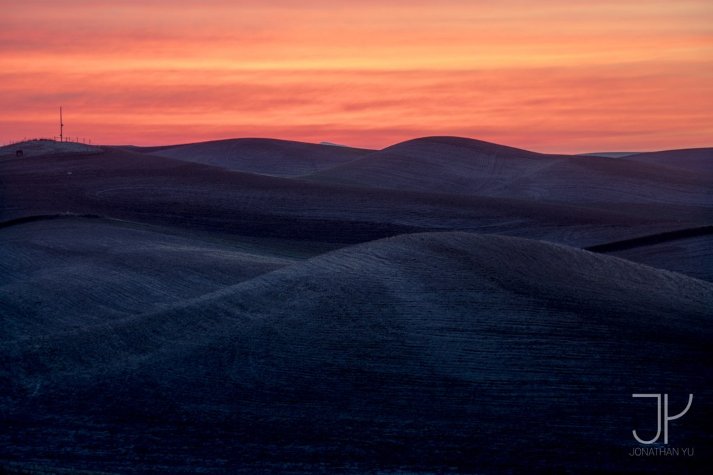 Rolling Hills and Fiery Sunrises make for great photos, Palouse