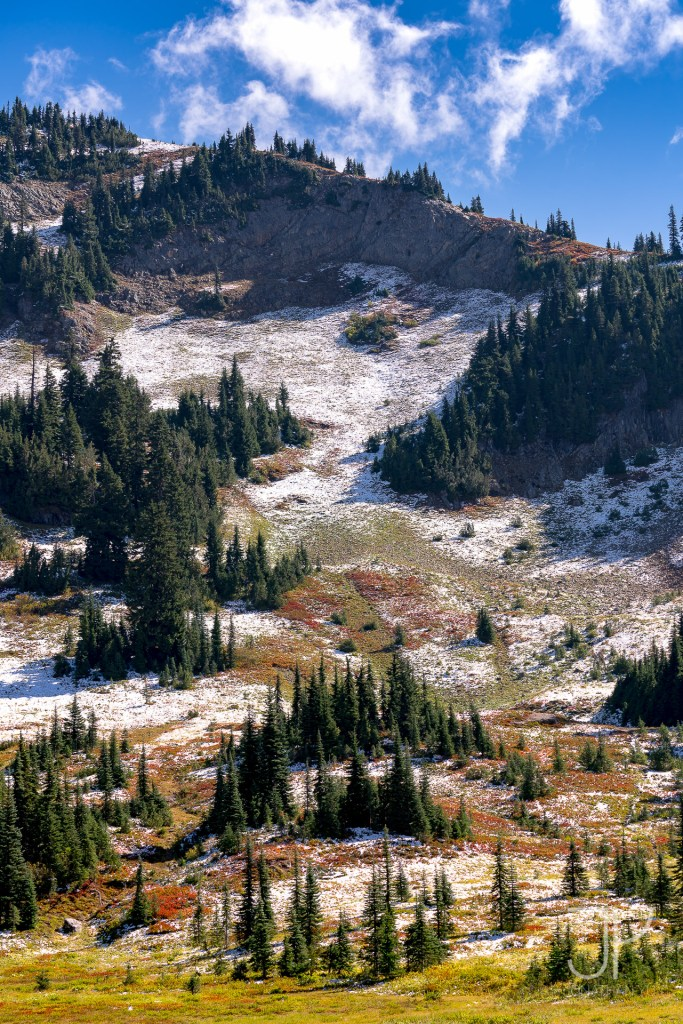 Fall colors at Naches Peak mixed with some early winter sprinkles