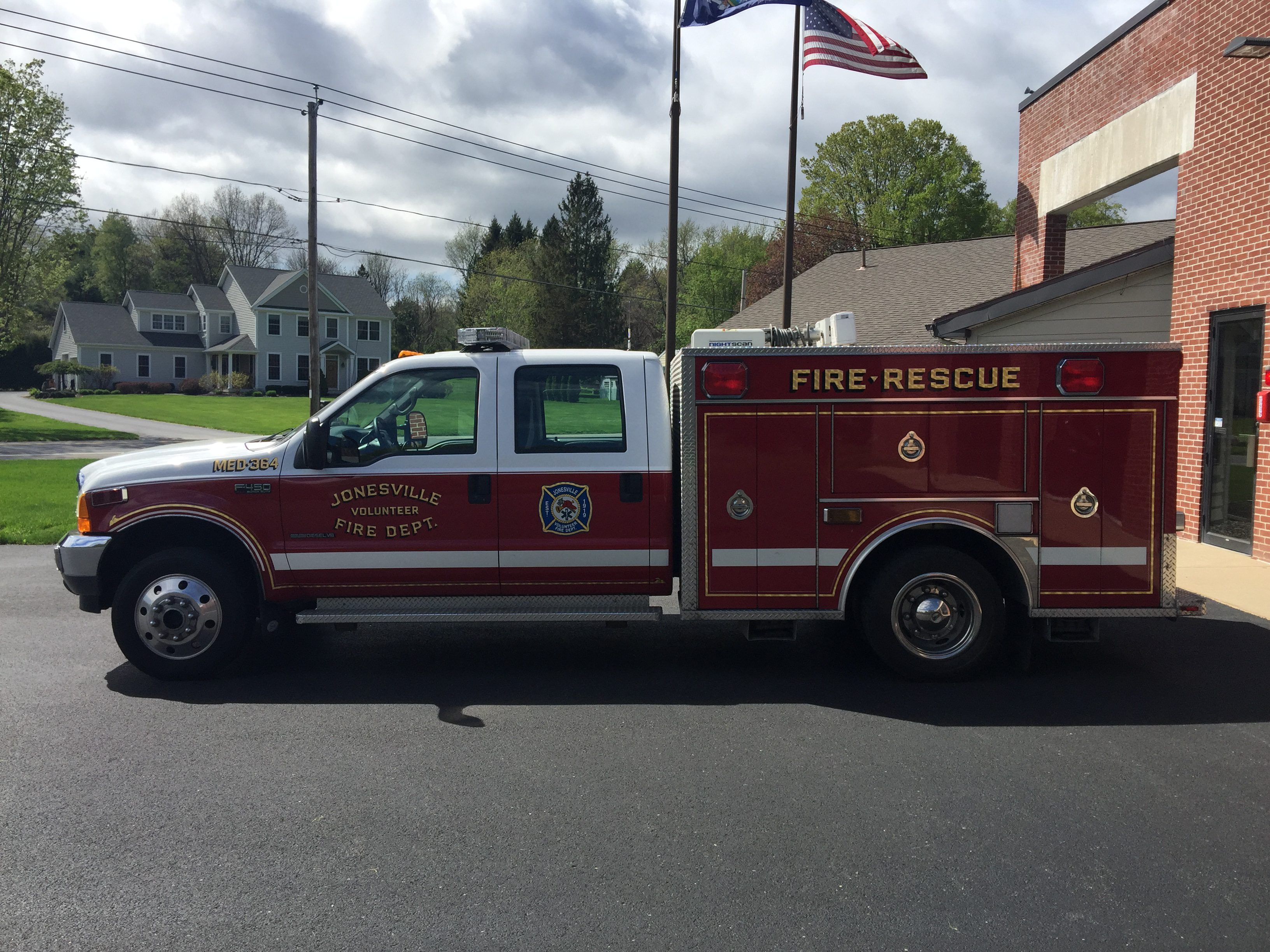 For Sale: 2001 Ford Fire Rescue EMS Vehicle – old MED 364