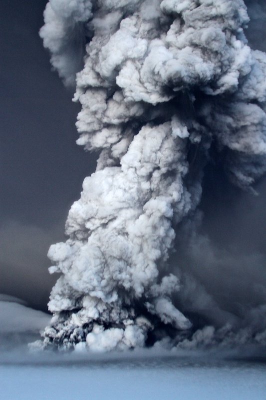 Volcanic Eruption in Iceland May 2011 - Photo by Jon Gustafsson