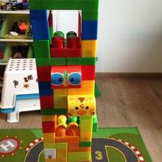 Les Mega Bloks ont différentes tailles, couleurs et formes