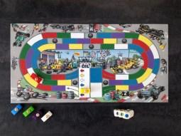 Le plateau du jeu de société Monza de chez Haba.