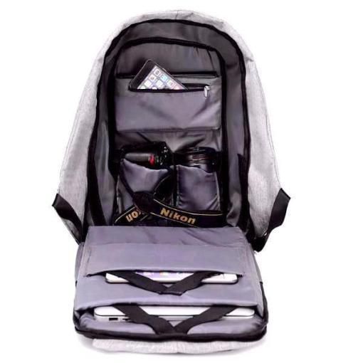 travel_backpack_inside